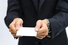 仕事につながる名刺の表と裏の活用法
